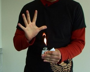 Zippo Trick 6 Große Flamme
